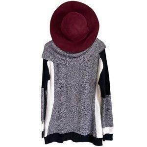 BELLDINI   Gray, White, and Black Women's Sweater